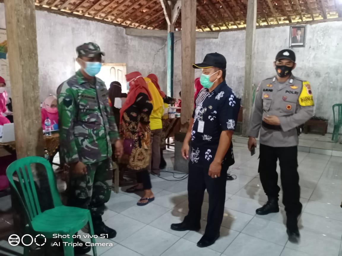 Monitoring Vaksinasi Covid_19 di Desa Bumirejo
